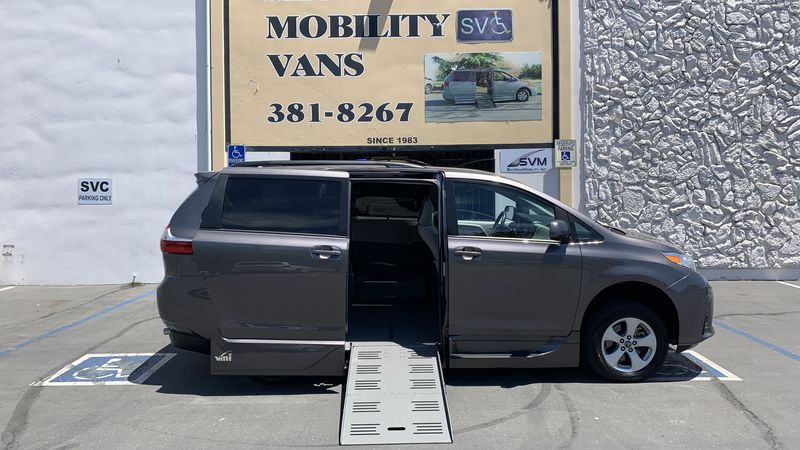 Used 2018 Toyota Sienna.  ConversionVMI Toyota Summit Access360