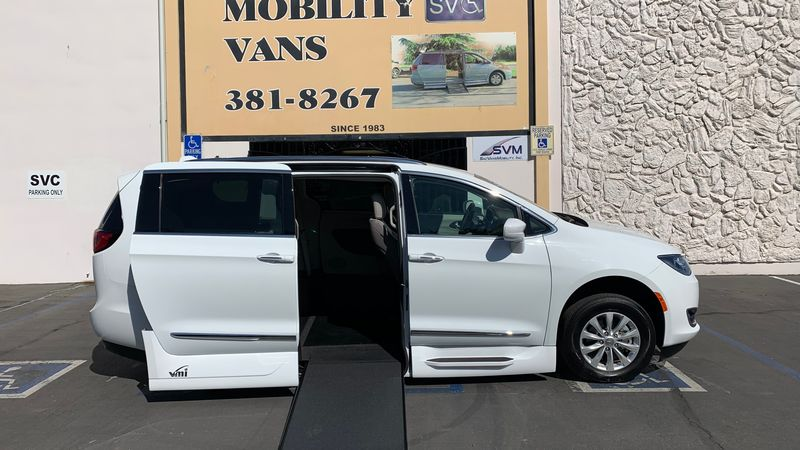 Used 2019 Chrysler Pacifica.  ConversionVMI Chrysler Pacifica Northstar Access360 by VMI