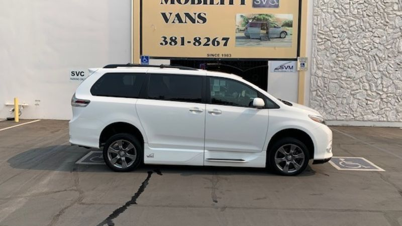 Used 2017 Toyota Sienna.  ConversionVMI Toyota Summit Access360